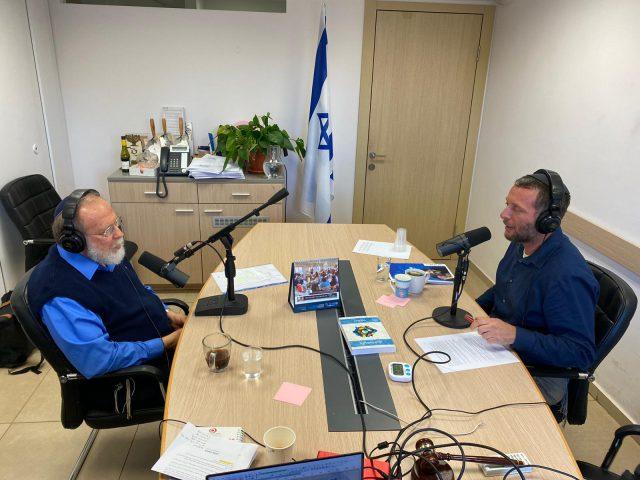 """""""אנחנו לא יכולים לנהל את המדינה כפי שאנחנו רוצים"""", הרב אלישיב מקשה על הרב סדן"""