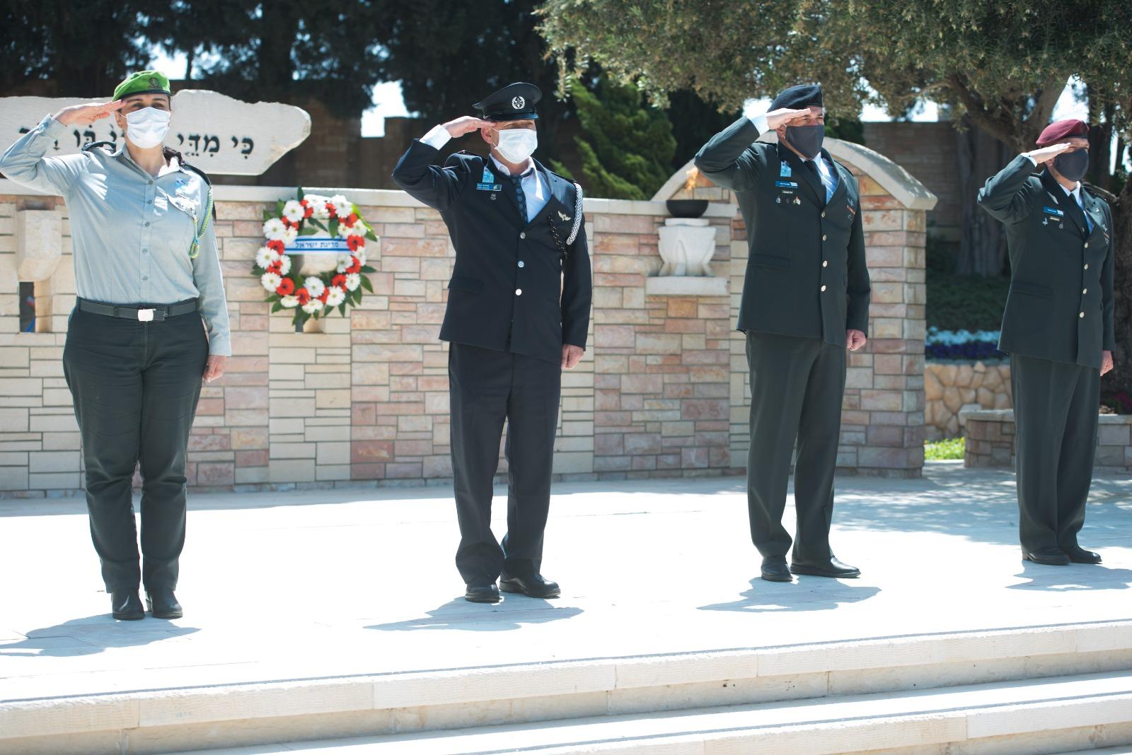סגן ראש המטה הכללי, אלוף אייל זמיר וראש אגף המבצעים, אלוף אהרון חליוה